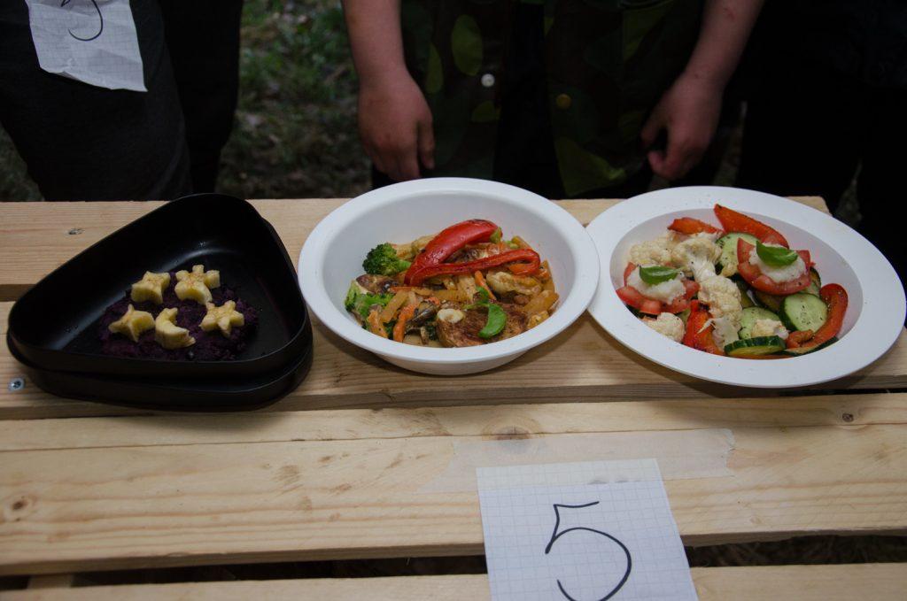 Keva 5 salaattia-annos, pääateria ja jälkiruoka